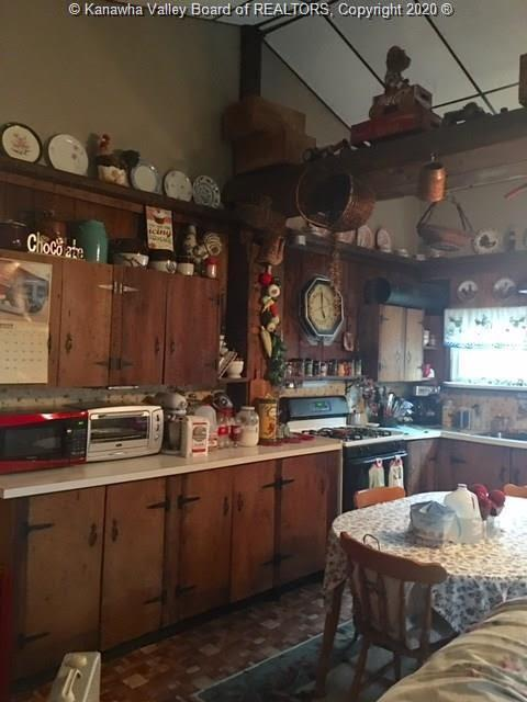 163 Church Street, East Bank, West Virginia 25067, 4 Bedrooms Bedrooms, 8 Rooms Rooms,2 BathroomsBathrooms,Residential,For Sale,Church,244744