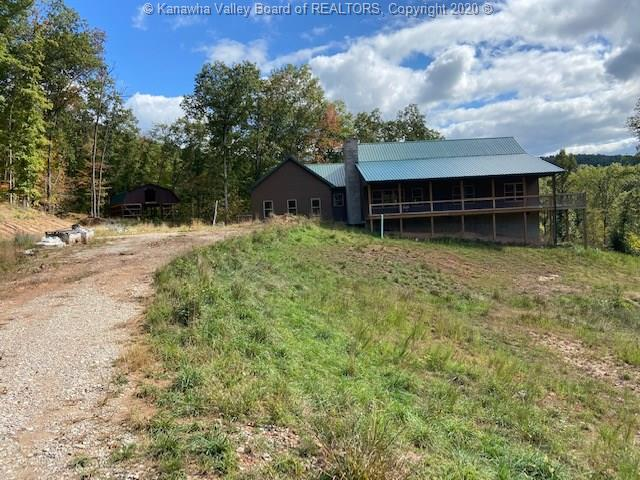 700 Hollow Point Drive, Clendenin, West Virginia 25045, 3 Bedrooms Bedrooms, 5 Rooms Rooms,2 BathroomsBathrooms,Residential,For Sale,Hollow Point,244308